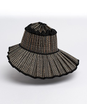Woman's Shell Hat - Hawkesbury